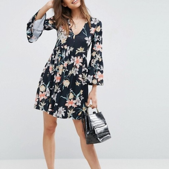 ASOS Dresses   V Neck Floral Smock Dress   Poshmark 5994e6ad6d